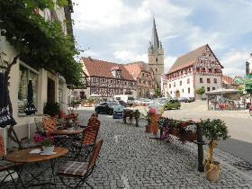 Landhaus rosenrot in franken bamberg weinfranken for Esszimmer zeil am main